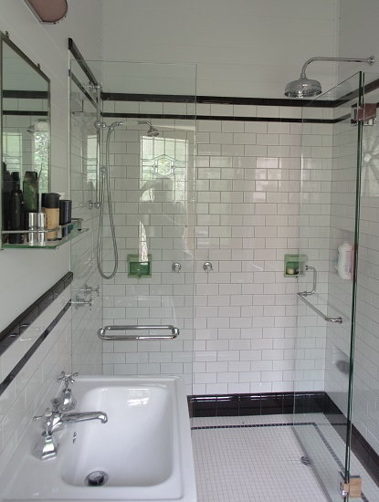 Bathroom Image 14