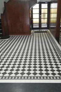 CHECKERBOARD PATTERN - 100X100 CARBON BLACK & SOFT WHITE + NORWOOD BORDER + INFILL