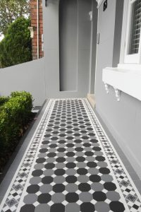 OXLEY CHECKERBOARD PATTERN - DARK GREY & CARBON BLACK OCTAGON + GRAND NORWOOD BORDER +  INFILL - TESSELLATED TILES